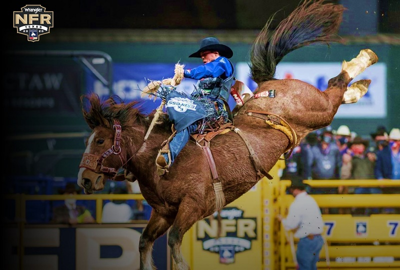 Stetson Wright Wins All-Round Gold Buckle