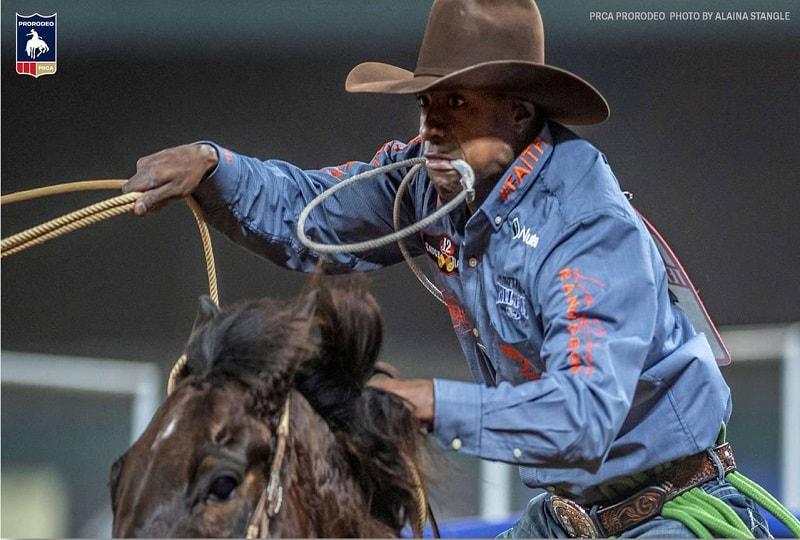 Cory Solomon Grabs Early Tie-Down Roping